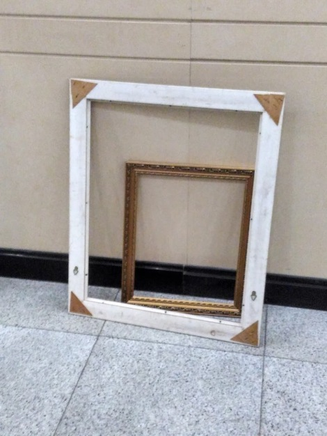 I tells ya, I've been framed.jpg