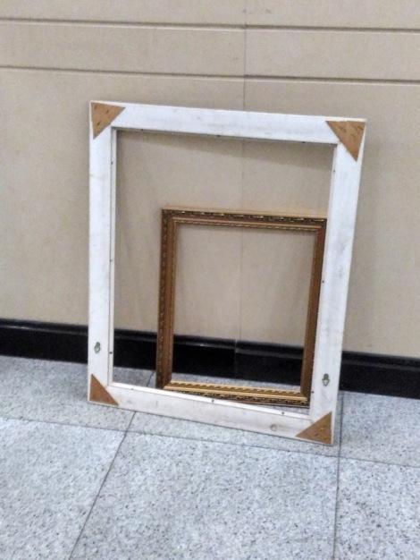 I tells ya, I've been framed.jpg